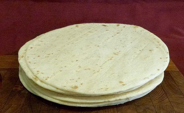 ミラノ風、ピザクラスト、ピザ生地、冷凍ピザ プロ・業務用食材アーモット 冷凍生地・食材の仕入れ・販売・通販